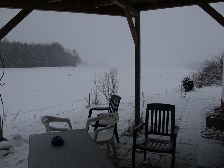 27.12.2015 Schnee und Kälte haben uns seit vergangene Nacht im Griff