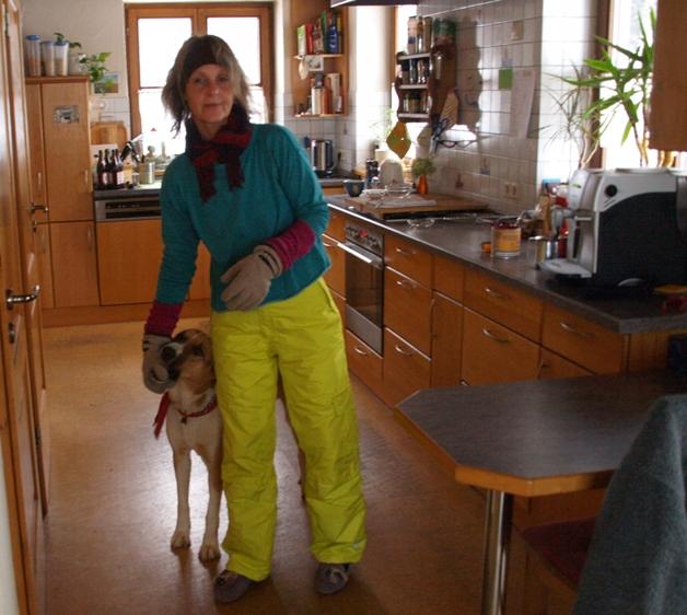 29.12.2015 mit den Ski Klamotten zum Gassi gehen bei - 10°