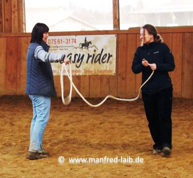 TGT Übung 13 Peoplework, Empfinden und Verstehen was ein Pferd fühlt - Foto aus meinem Kurshandbuch © Manfred Laib