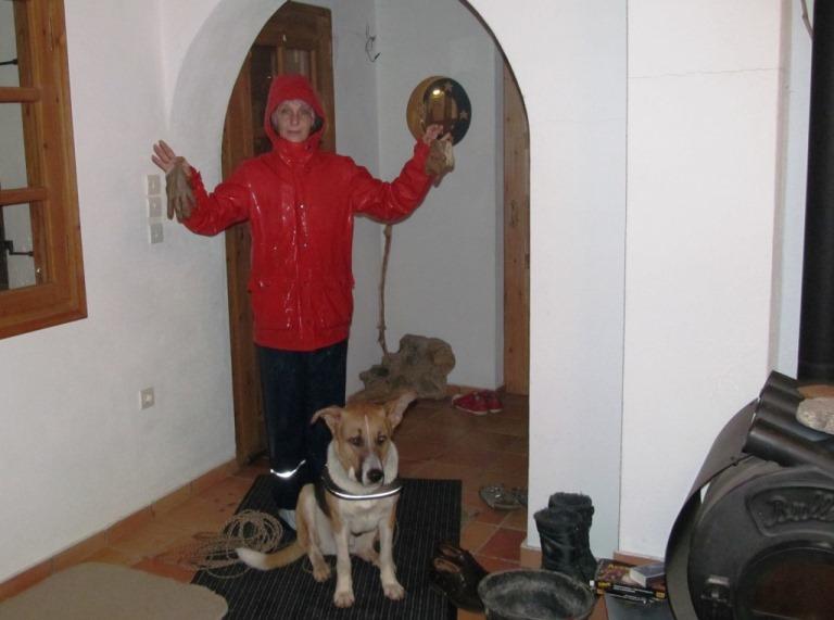 hier kann es Regnen - es ist der Hammer, Sam hat Spass dabei ..... Silke ist bestens gekleidet dazu