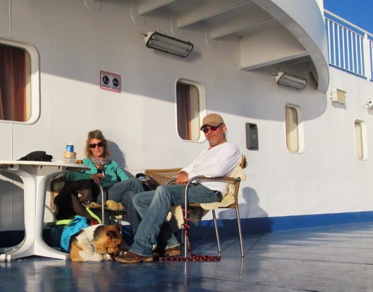 unser Stammplatz auf der obersten Sonnenterrasse der Superfast II vor der Abfahrt in Patra. Dort haben wir auch in der Nacht geschlafen