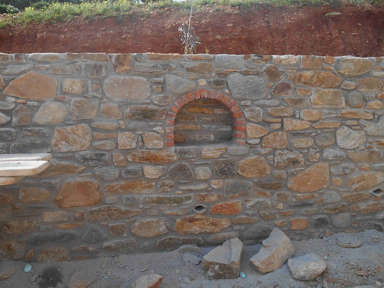 Mauerbau ist Handwerkskunst  © Lefteris Delastik