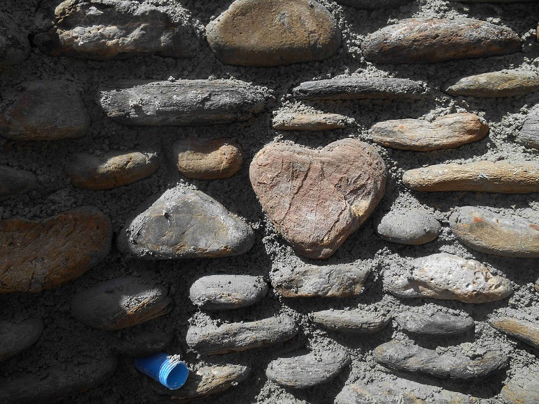 Liebevolles Detail im Rohbau - © Lefteris Delastik