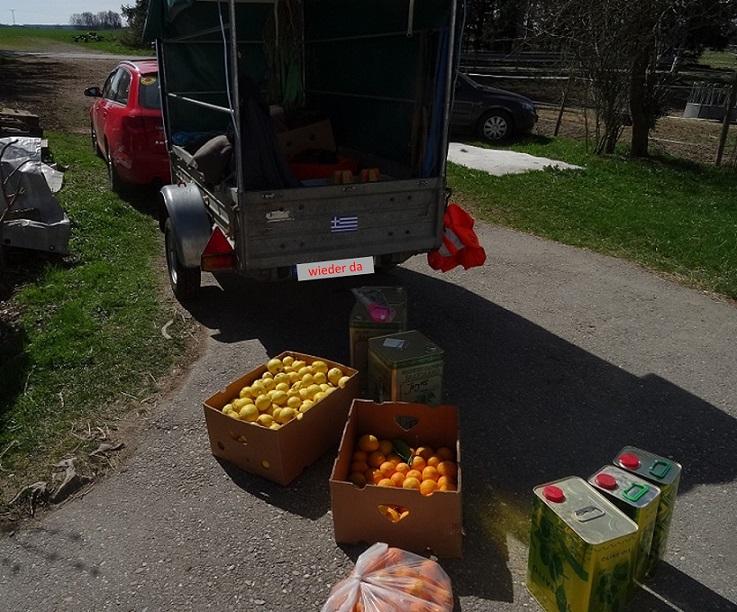 Orangen, Pomeranzen, Zitronen, Oliven, Olivenöl, Feta und Saganaki-Käse, sowie Motorsägen, Werzeug usw haben die Fahrt gut überstanden