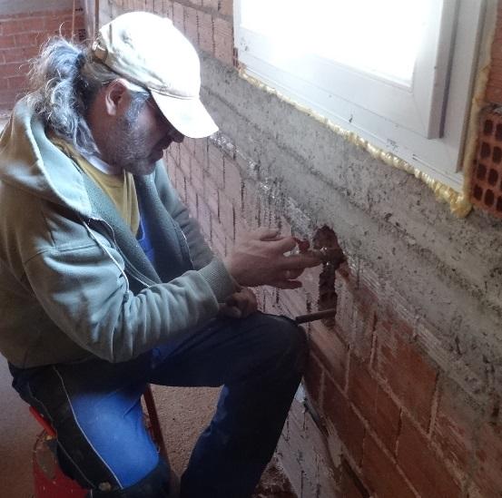 Wasseranschluss im kleinen Haus zum Abschluss aller Rohbau Installationsarbeiten