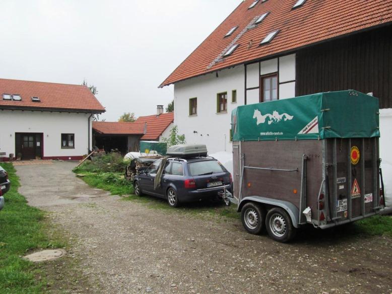 so ein Unterschied .... 02. Oktober 2014 nach problemloser Fahrt (1.620 Strassen-km) mit dem Pferdehänger