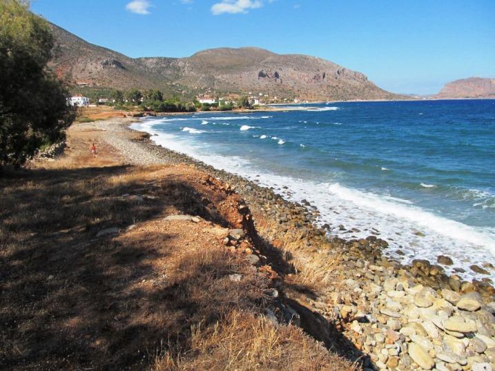 an der Bucht zwischen Paraskevi und Trochalia