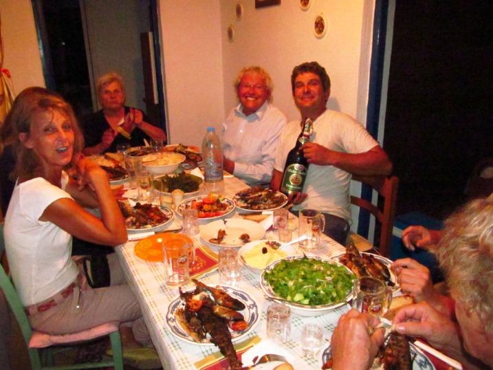 Mama Elenie und Panayotis gewähren und eine unbeschreibliche Gastfreundschaft und ein Festmahl πολλά πολλά ευχαριστώ (vielen vielen Dank)