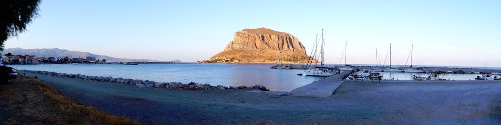 so empfängt und an diesem Abend Monemvasia, das Gibraltar der südlichen Peloponnes