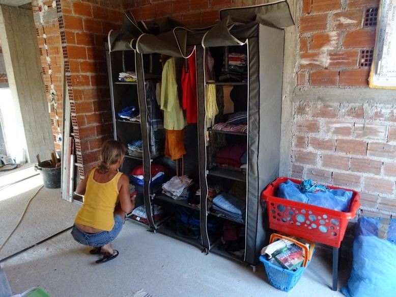 unser neuer Baustellen Kleiderschrank schützt die Klamotten vor Staub und Schmutz