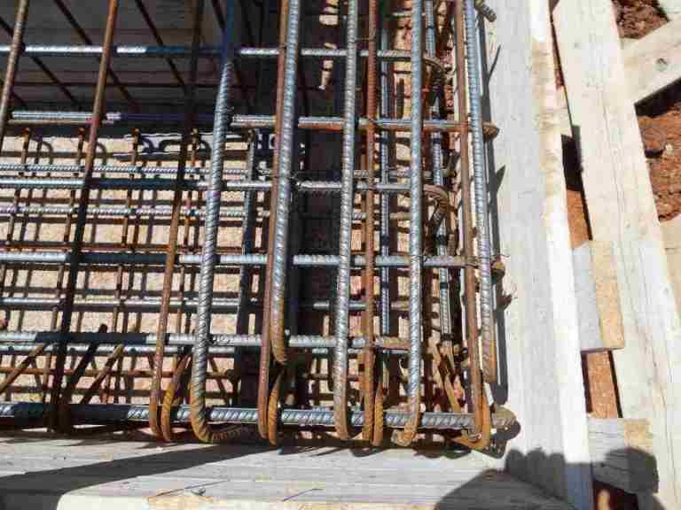 Wohnhaus: Der Hammer was da für Eisen in die Betonfundamente kommen