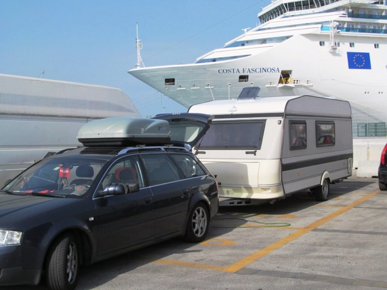 24. Juni - seine letzte Fahrt - hier in Bari IT vor der Einschiffung nach Patra GR