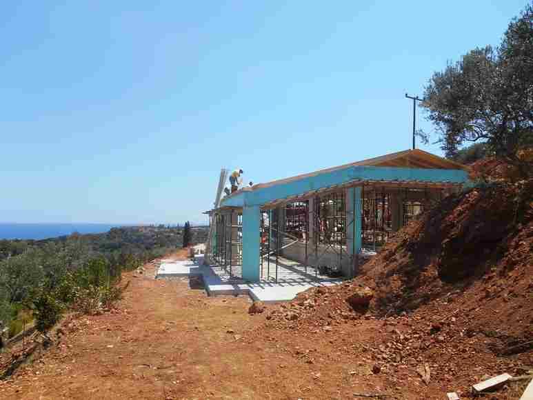 Blick von der Garten-Terrasse auf die Wohnzimmer Pergola