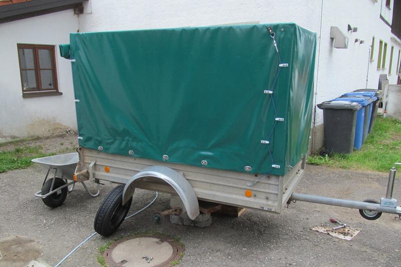 02.09. - heute kam Hänger 2 mit neuem Verdeck, er bekommt zur Sicherheit noch 2 neue Räder