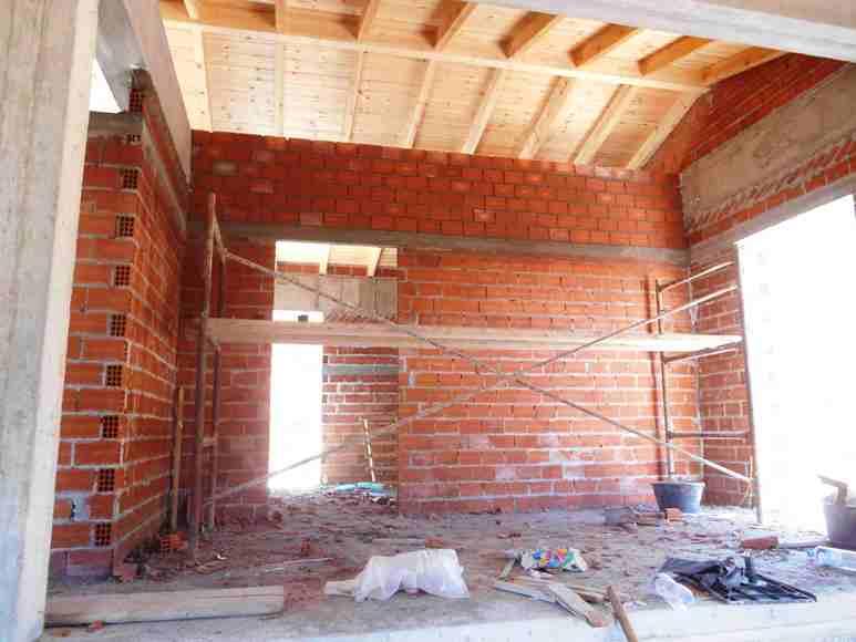 nun werden alle Innen-Wände gemauert