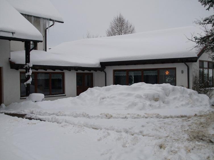 Pfeifferhof Speisesaal; zum Jahresende 2014 hat uns der Winter mit Schnee und Frost voll im Griff