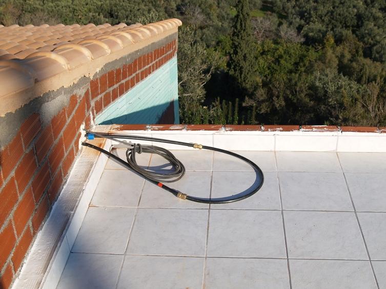 Alle Zuleitungen für die Warmwasser Solar Anlage sind fertig verlegt