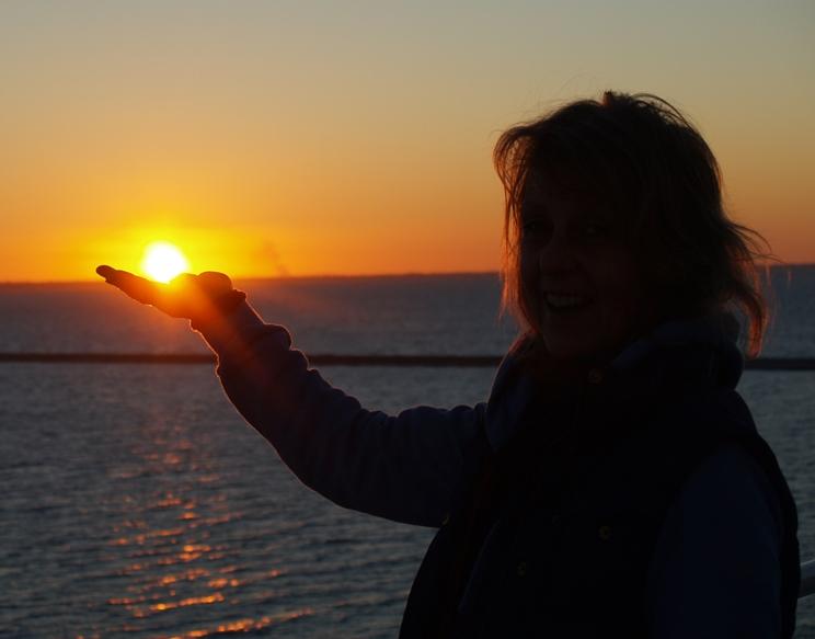 vor der Abfahrt in Patra die untergehende Sonne