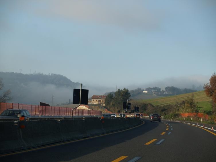 bis Ancona wunderschönes Wetter. von dort bis Gardasee Nebel satt, der Rest gute Sicht in kalter Nacht über den Brenner und Fernpass