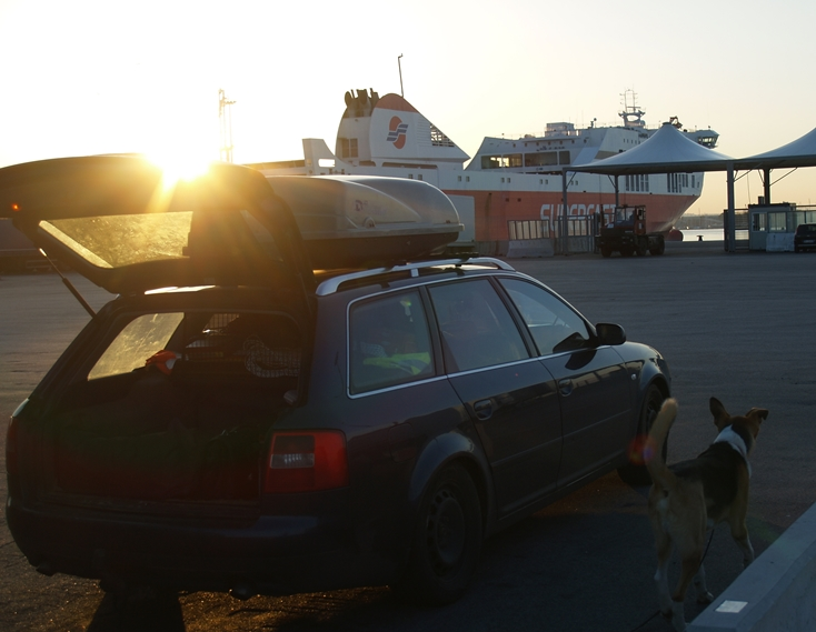 die Superfast 1 Pyraeus erwartet uns am 14.01.2015 im Hafen von Bari Italien