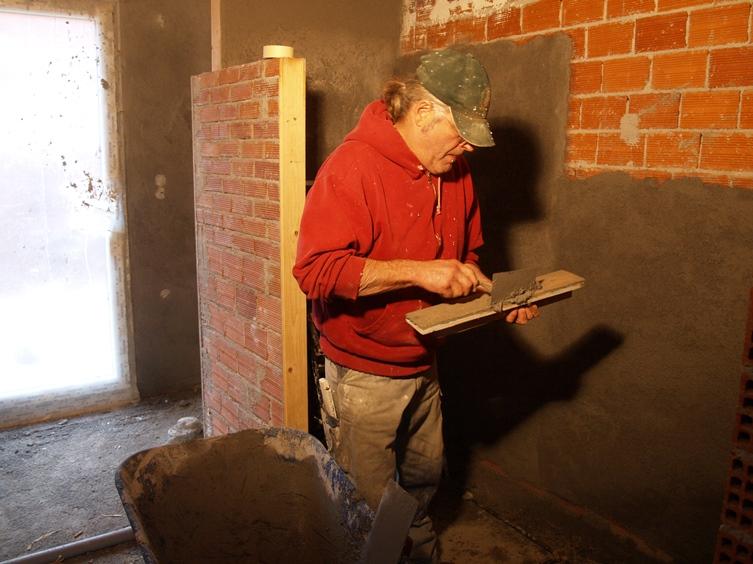 am Abend fehlte nur noch eine Wand dann ist das Bad fertig verputzt