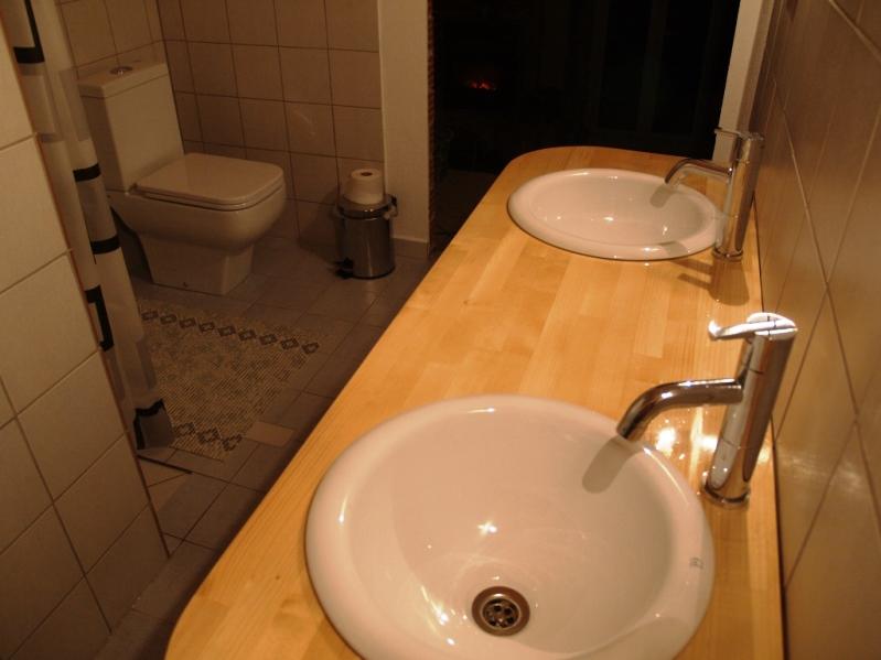 """noch ein paar Regale und Handtuchhalter, dann ist das Projekt """"Bad WC Dusche"""" abgeschlossen"""