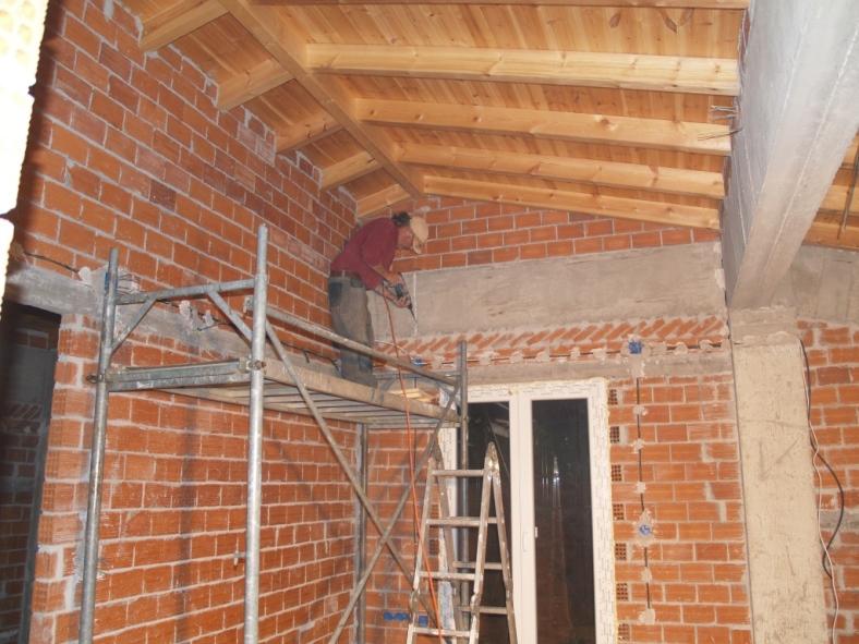 das Haus ist hoch, Elektroinstallation im Atelier