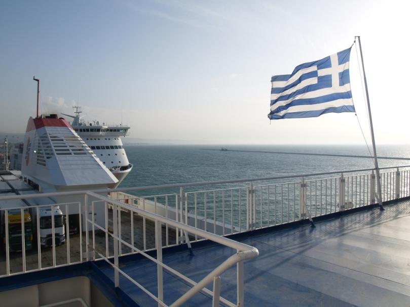 Punkt 18 Uhr verlassen wir Patra und schippern über Iguminitsa nach Bari in Süd Italien